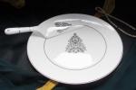 Блюдо для торта с лопаткой Новый год белое золото. костяной фарфор Акку